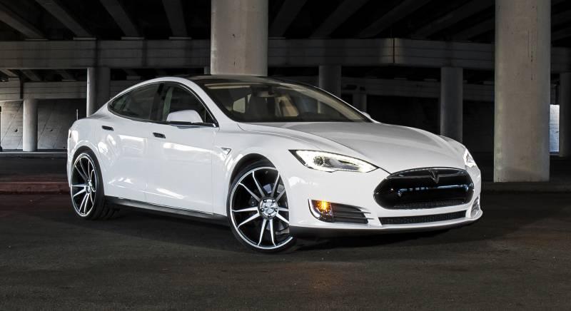Preço dos carros elétricos da Tesla Motors está distante da realidade do Brasil
