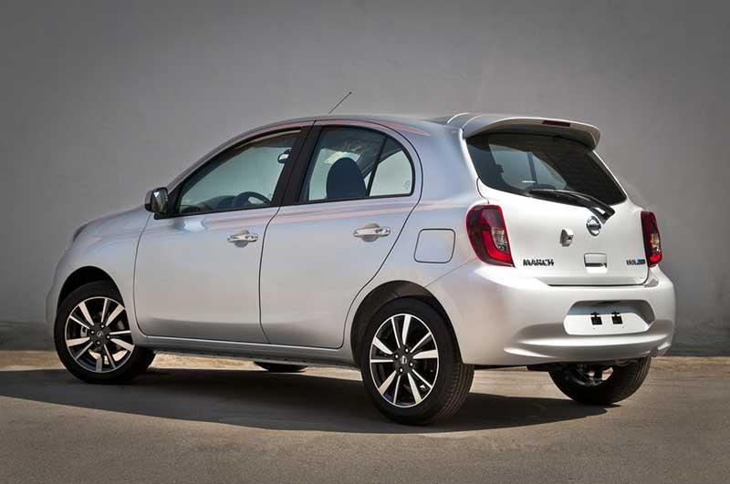 Opinião do dono diz que Nissan March é um bom carro até semi novo