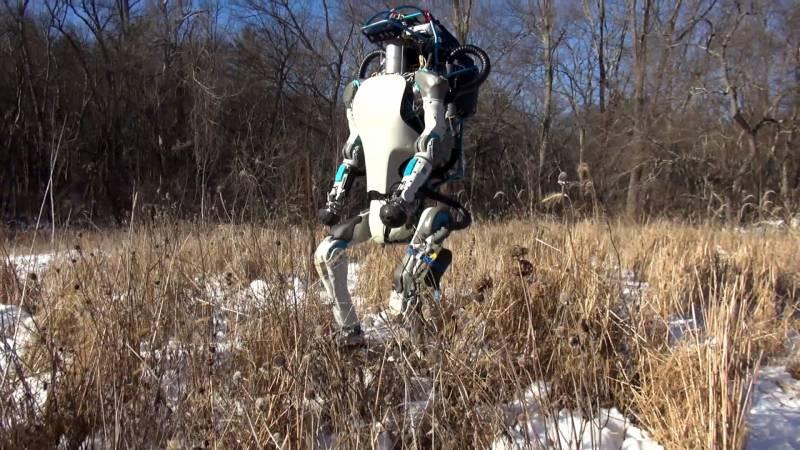 Já estão construindo robôs para ocupar vagas de emprego e podem pular incrivelmente