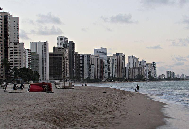 Não se assuste com o tubarão na Praia de Piedade, Jaboatão dos Guararapes em Recife
