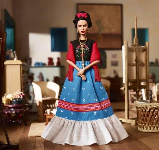 Ícones femininos: Barbie lança boneca Frida Kahlo