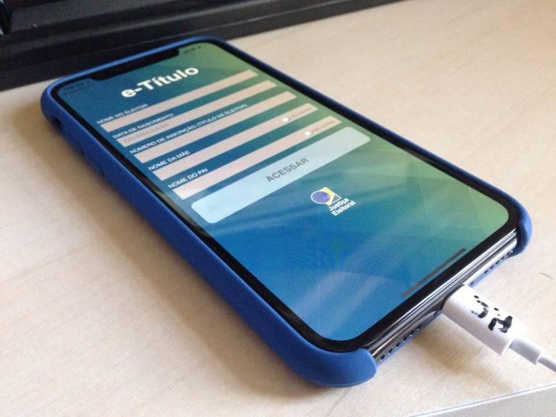 Baixar o aplicativo e-título no celular é uma boa ideia