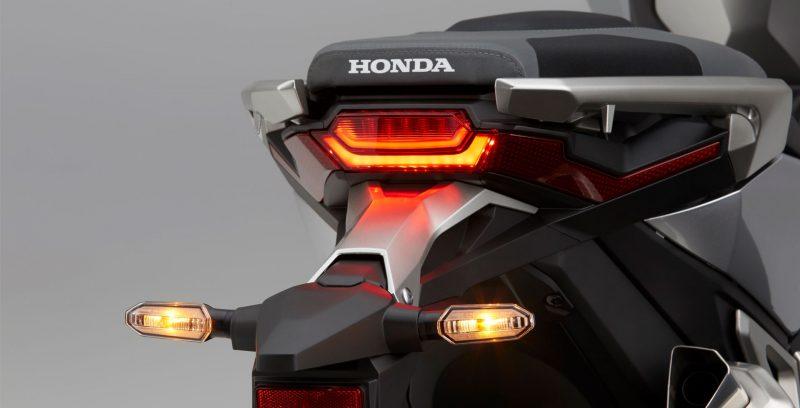 Honda X-ADV: a única scooter aventureira e esportiva