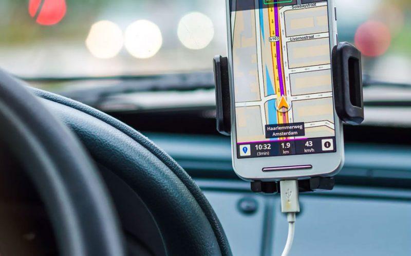 Baixar GPS grátis no celular pode fazer a diferença na sua viagem