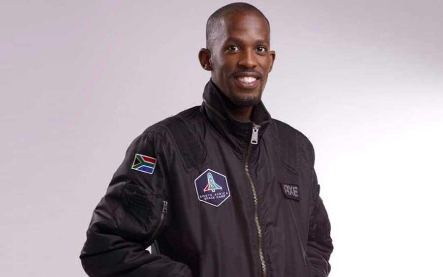 Homem que poderia ser o primeiro africano negro a ir ao espaço morreu em acidente