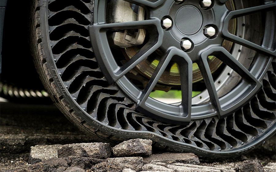 Conheça o revolucionário pneu da Michelin sem câmara; veja o teste da GM