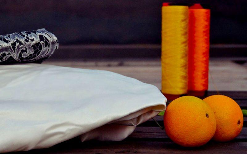 Inventaram a seda vegana feita do bagaço da laranja