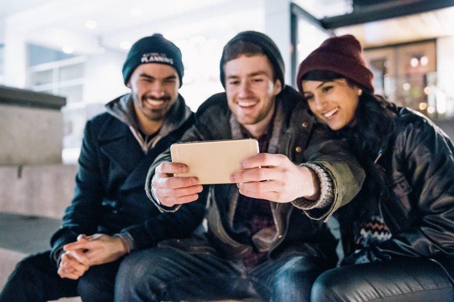 A selfie com os amigos é sempre mais legal