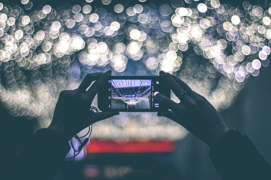 Saiba quando usar o flash do celular