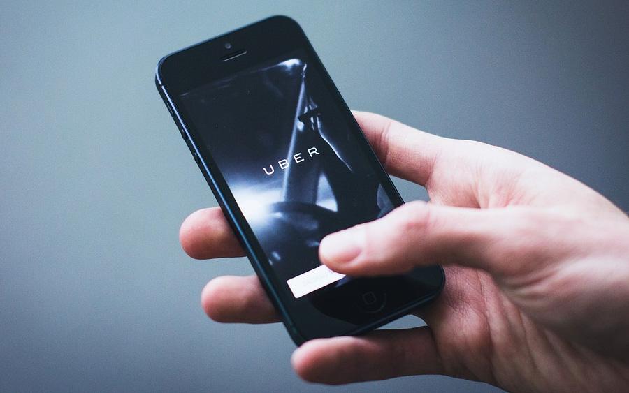 Motoristas não têm vínculo empregatício com Uber
