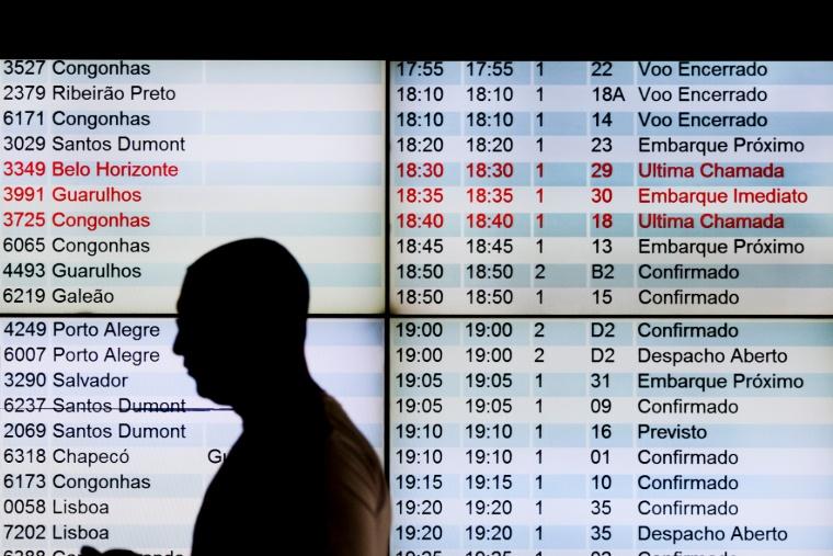 Passagens aéreas foram o item não-alimentício com maior redução para o consumidor, segundo o IBGE (foto: Roberto Castro/MTur)