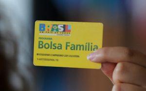 Beneficiários vão receber 13º salário do Bolsa Família