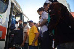 Como a melhora do transporte público no Brasil pode diminuir o número de carros nas ruas