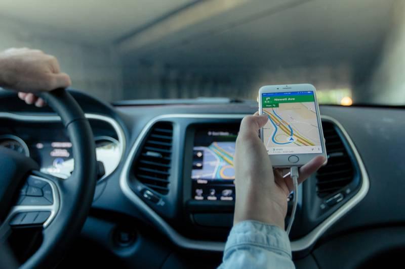 Apps como Waze e Google Maps são ótimos para tomar decisões inteligentes no trânsito