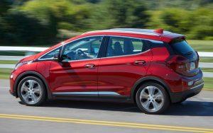 Ele chegou: Chevrolet Bolt é um carro elétrico com bom desempenho e preço alto
