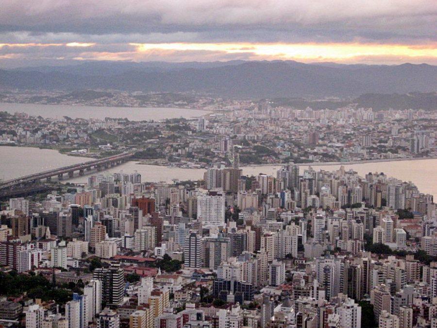 Centro da cidade de Florianópolis (foto: atramos / wikimedia)