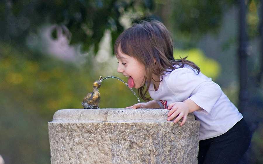 Beba água e fique em dia com seu corpo
