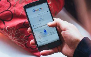Como o Google mantém as pesquisas relevantes