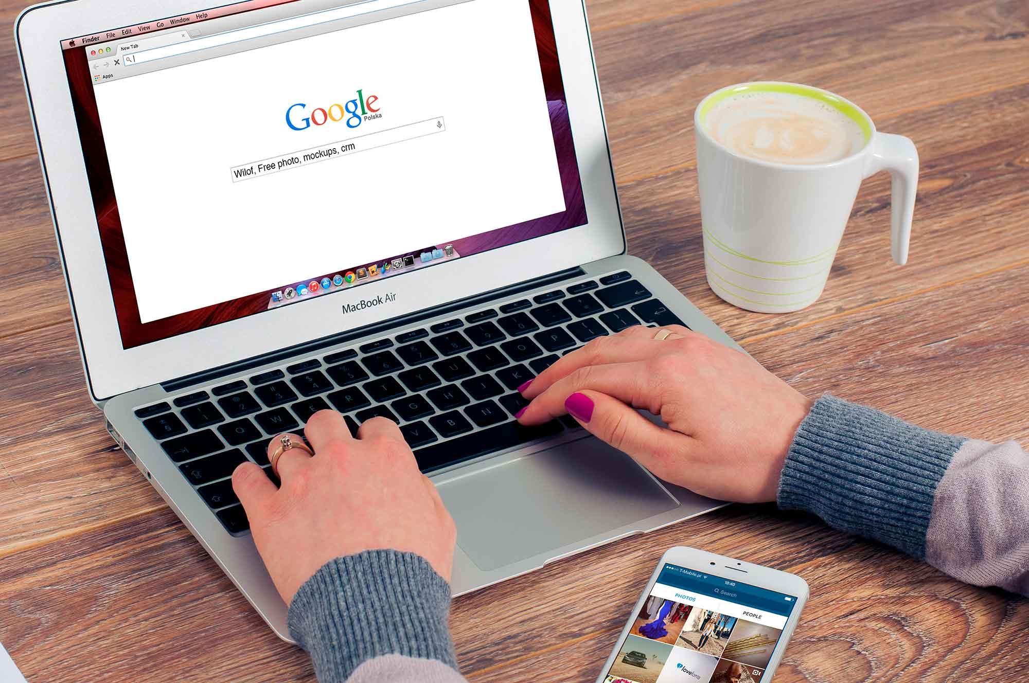 """A busca é tão importante na vida moderna que o termo """"Dar um Google"""" (ou do inglês """"Google it!"""") virou um verbo"""