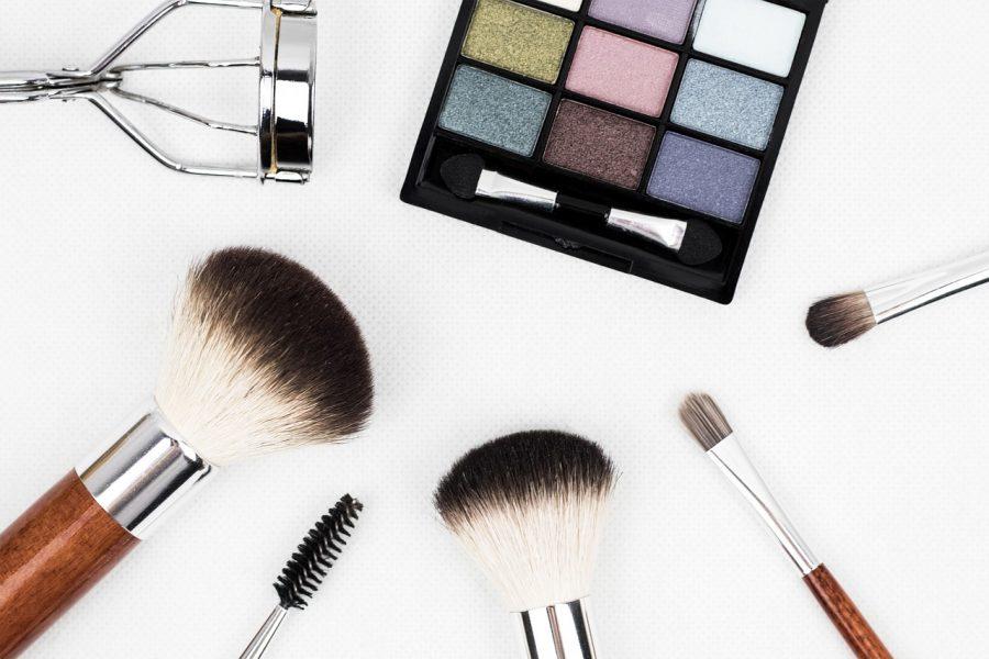 Produtos como o pincel de maquiagem também devem ser escolhidos com cuidado