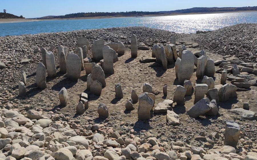 Stonehenge espanhol ressurge após 60 anos