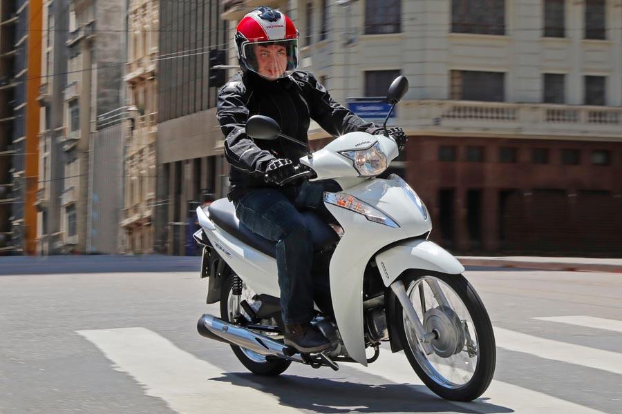 Honda Biz 110i 2020 promete baixo custo de manutenção