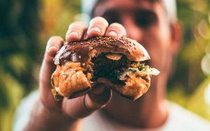 As pessoas vão comer menos carne no futuro?
