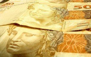 Salário mínimo do brasileiro sobe para R$ 1.039