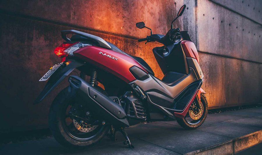 O NMAX 160 é um scooter com design cheio de estilo