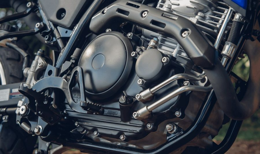 O motor monocilíndrico de 250cc da Lander é o grande responsável pela sua fama de resistente e econômica.