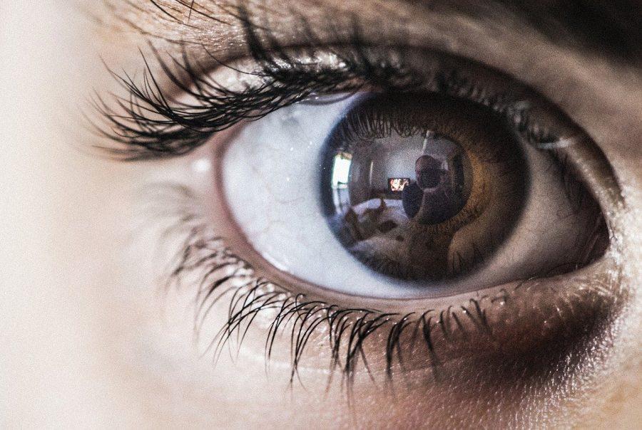 """A humanidade está a ponto de criar uma """"bola escura"""": uma descoberta tecnológica que poderia destruir todos nós, diz o filósofo Nick Bostrom"""