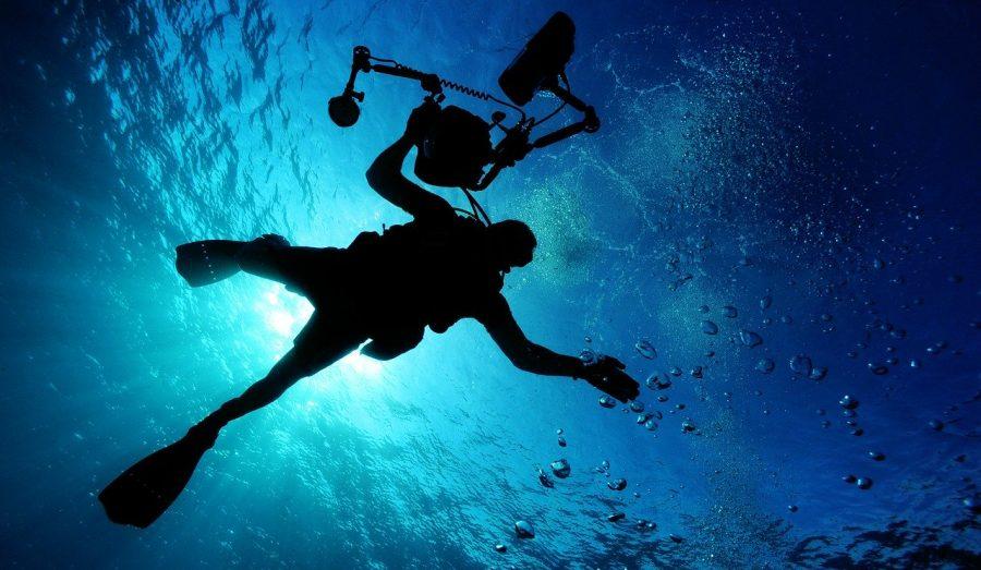 O volume de água de todos os oceanos, mares e rios da Terra é de 1,59 quatrilhões de litros.