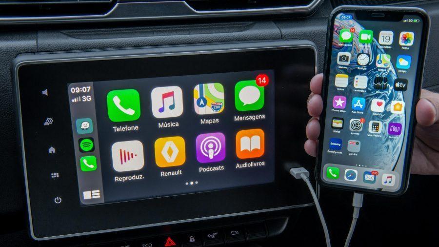 O Easy Link proporciona o emparelhamento do seu celular através do Apple CarPlay e Android Auto em uma tela de 8 polegadas