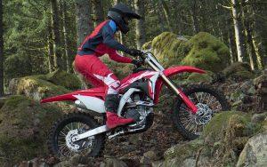 Honda CRF 450RX garante velocidade e potência para encarar qualquer trilha