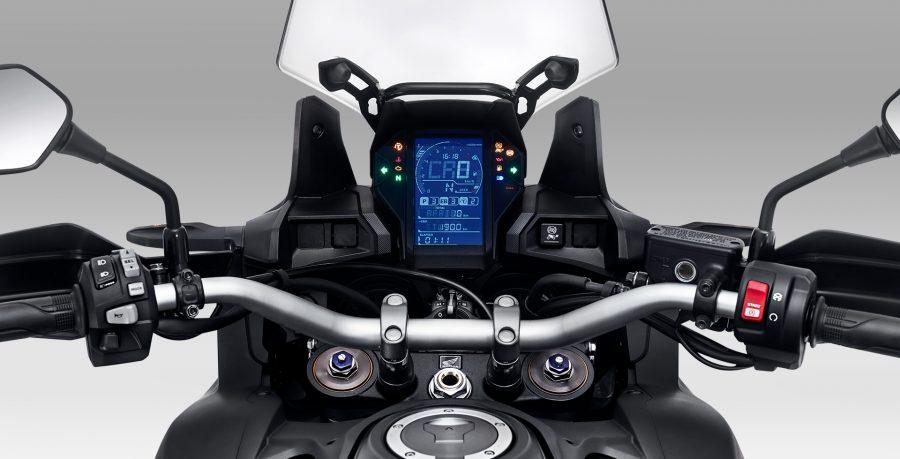 O novo painel LCD com tela unificada, traz todas as informações a bordo, além de um conjunto tecnológico que oferece mais praticidade na hora de pilotar.