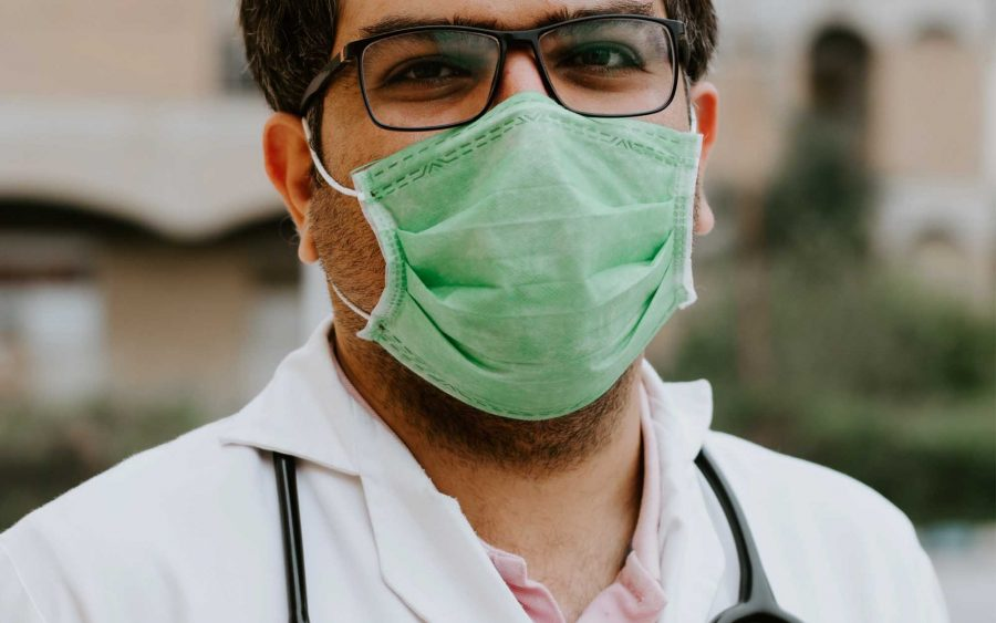 Medidas básicas para evitar o contágio e a disseminação dos vírus que atacam o sistema respiratório, em especial o coronavírus.
