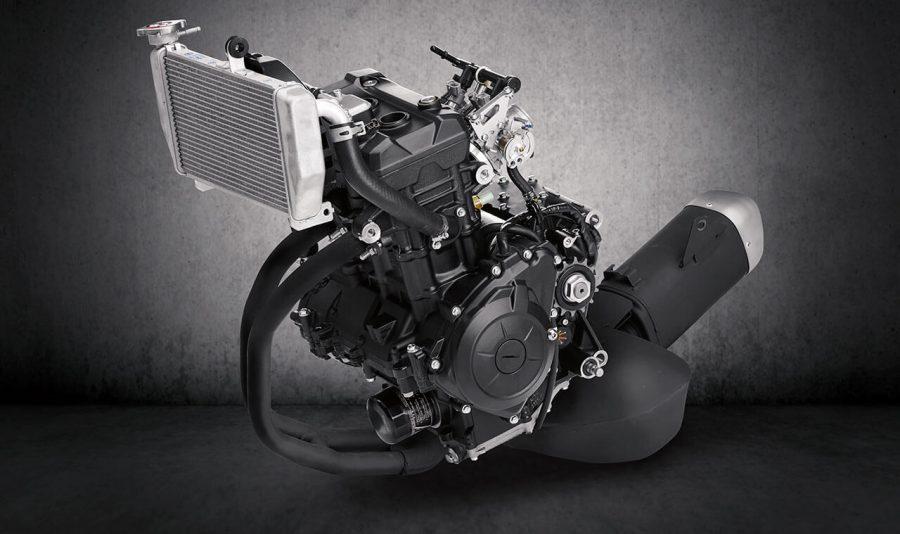 321cc, 42cv e 3,02kg torque, 2 cilindros em linha 4 tempos, duplo comando (DOHC), arrefecimento líquido, 4 válvulas por cilindro, alimentação por injeção eletrônica, pistões forjados em alumínio, cilindro com tecnologia DiASil Yamaha (80% de Alumínio e 20% de Silício) para menor vibração, melhor dissipação de calor e ganho de performance.