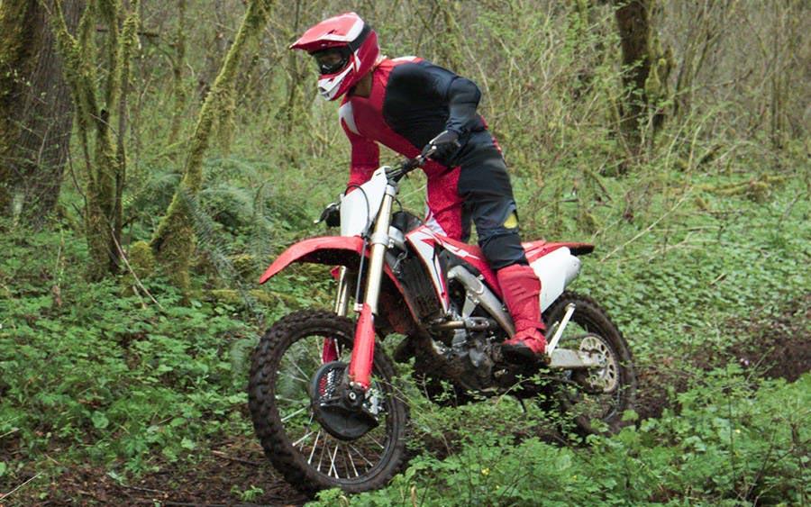 A CRF 250RX da Honda é uma moto pronta para a trilha