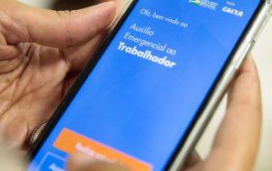 Auxílio emergencial foi disponibilizado, veja como consultar pelo app