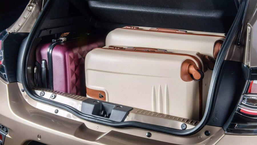 Porta-malas de 320 L.