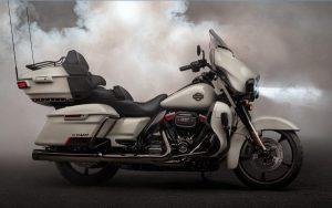 Harley Davidson CVO Limited tem tudo e um pouco mais