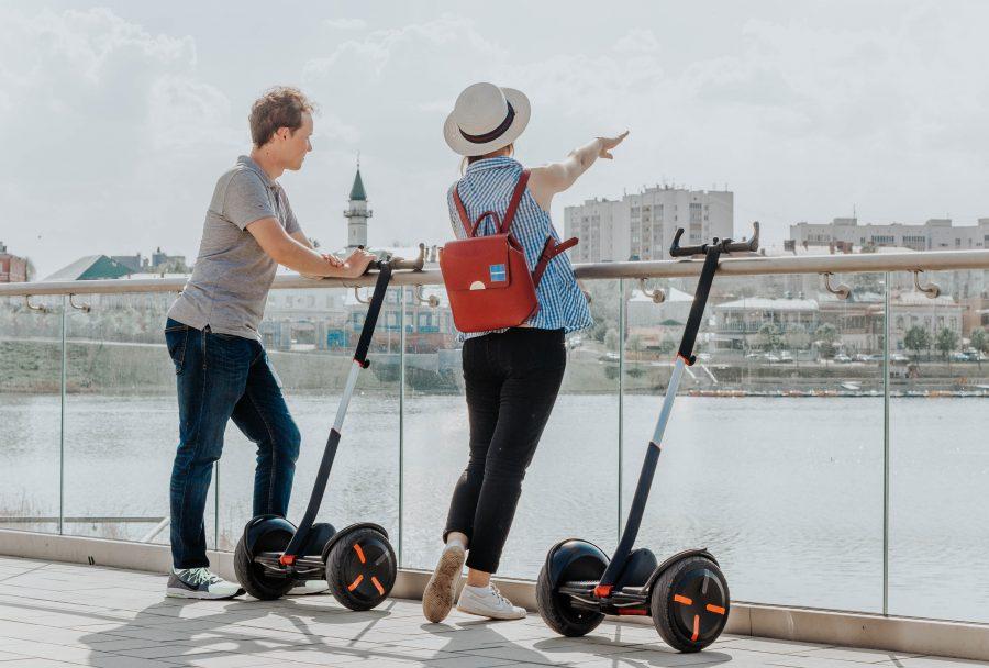 O Segway PT é um diciclo (meio de transporte de duas rodas lado a lado) inventado por Dean Kamen e revelado em Dezembro de 2001