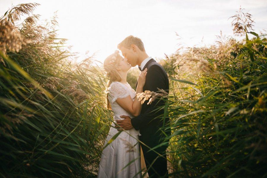 O vestido de noiva e o terno do noivo são itens que geralmente não serão utilizados novamente e costumam custar uma fortuna!