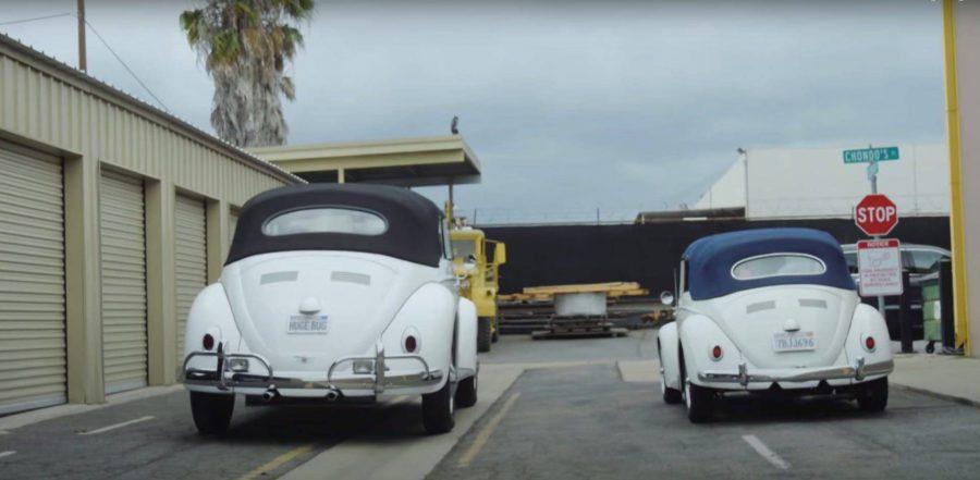 Pai e filho constroem VW Fusca gigante