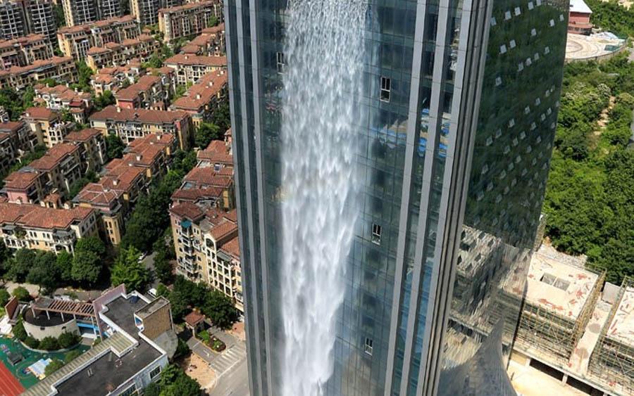 China tem a maior cachoeira artificial do mundo