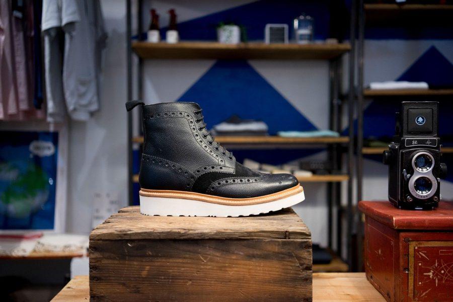 Os sapatos são uma das peças mais procuradas nos brechós