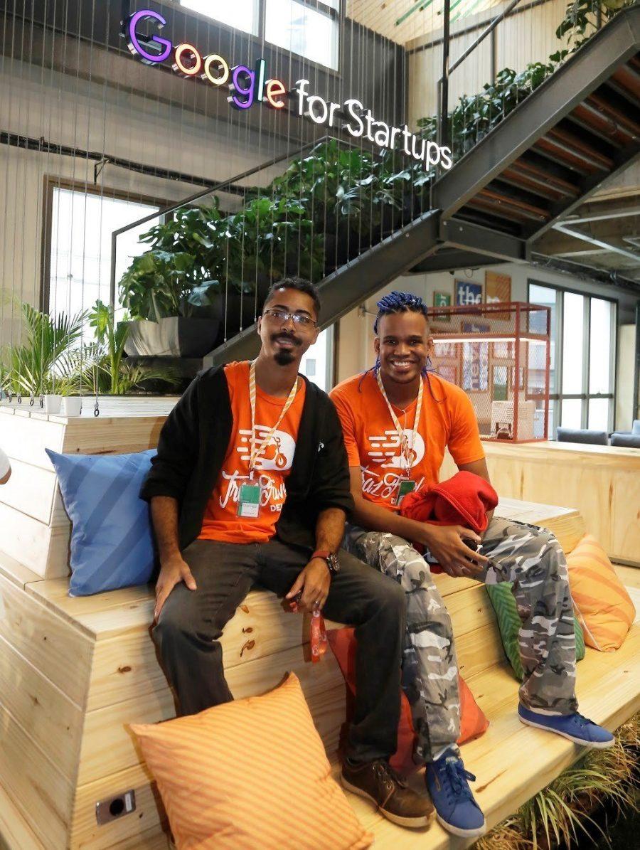 Marcos Silva e Iago Santos, do TrazFavela: ponte entre as comunidades e os centros (foto: divulgação)