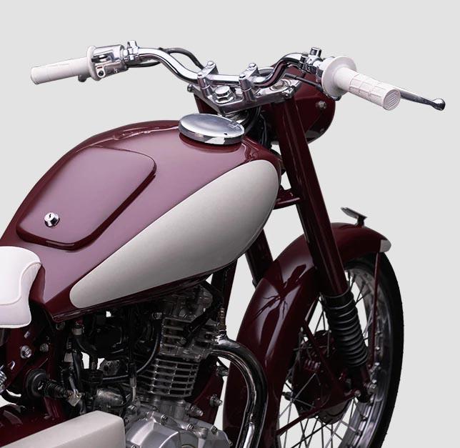 Em 1955, no Japão Pós Guerra, nascia a Red Dragonfly - a primeira Yamaha do mundo, um marco para o início a história da Yamaha Motor.