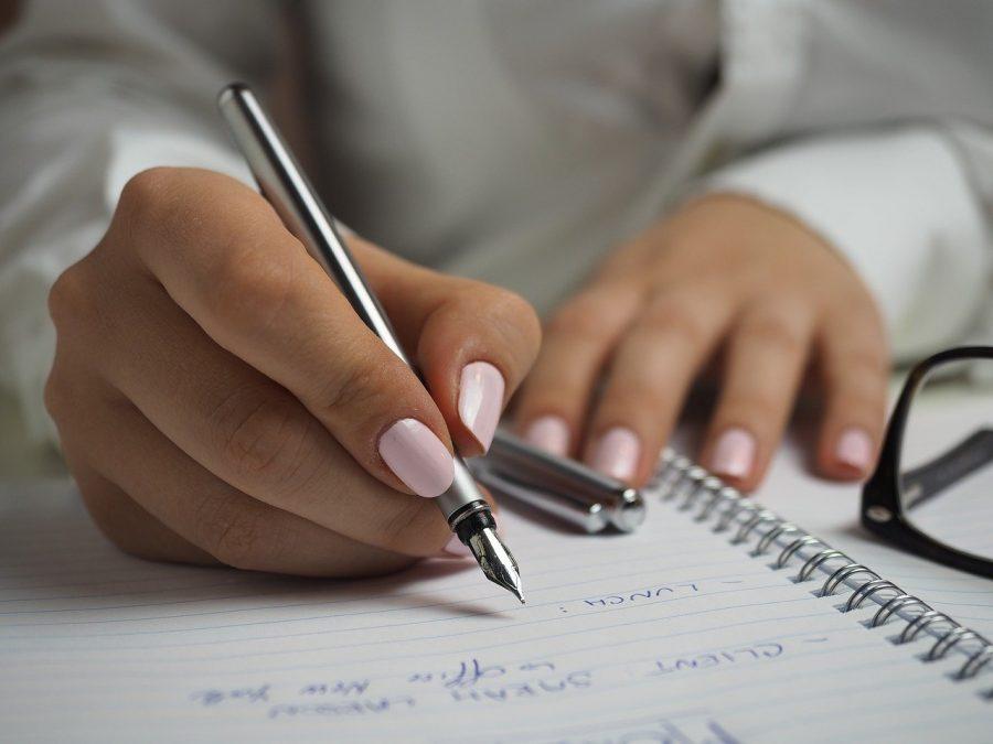 Quando você decide comprar uma caneta com marcas de luxo, seja para você usar em sua profissão ou para alguém que deseja presentear, você acaba optando por qualidade de escrita e durabilidade.