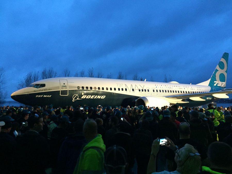 Lançamento do 737 MAX em dezembro de 2015 com o primeiro 737 MAX 8 (Aka The Beav / Wikimedia)
